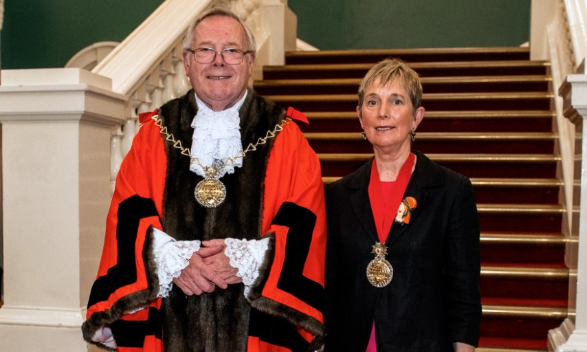 Outgoing Mayor Cllr Mick Hayes with incoming Mayor Cllr Bird at Mayor Cllr Mick Hayes' inauguration in 2019